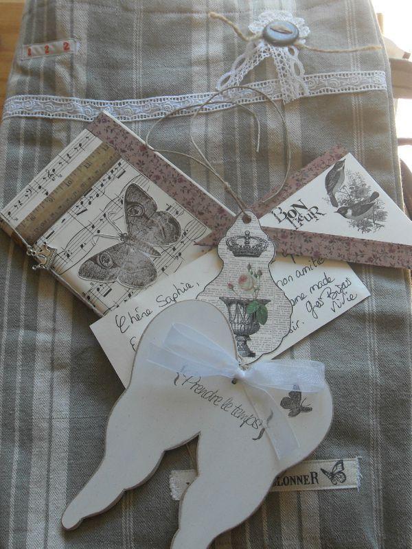 pingl par lili paris sur etiquettes tags pinterest creations papier et bricolage. Black Bedroom Furniture Sets. Home Design Ideas