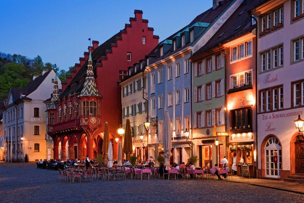Freiburg, Altstadt ©dpa Reisen Pinterest Freiburg, Wanderlust - grimm küchen karlsruhe