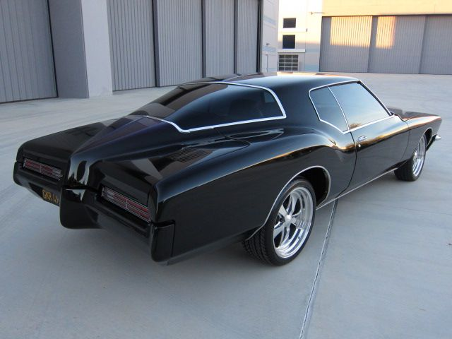 Classic Autos Brokers Vehicle Sold 1971 Buick Riviera Buick Riviera Classic Cars Buick
