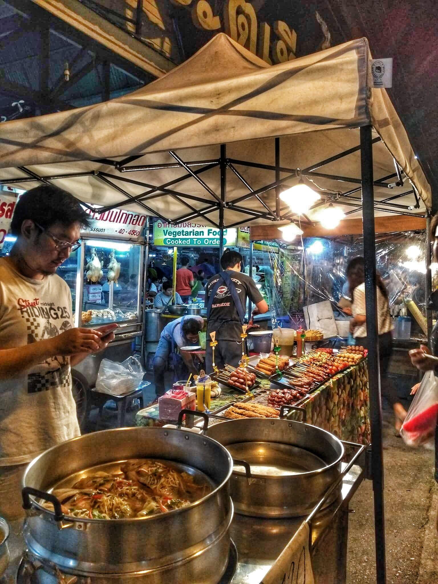 Chiang mai gate food stalls best chiang mai street food