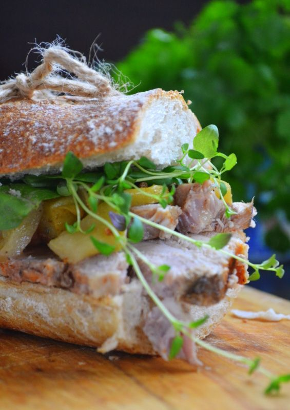 CIDER-BAKED PORK BELLY & SPICED APPLE CHUNK SANDWICH [kuchennymidrzwiami]