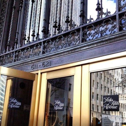 <3Saks Fifth Avenue
