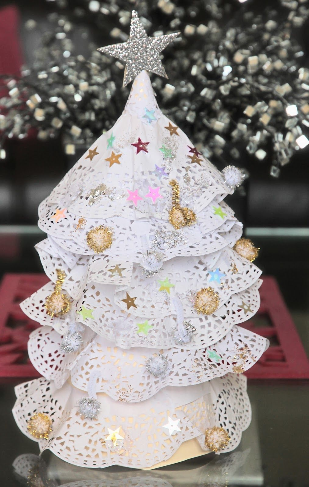 Paper doily christmas tree craft for kids kids christmas crafts paper doily christmas tree craft for kids jeuxipadfo Images