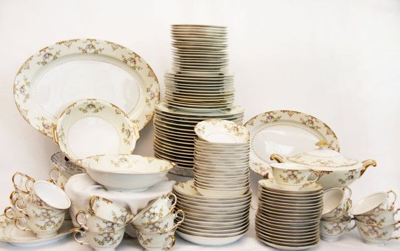 Vintage china dinnerware sets are going