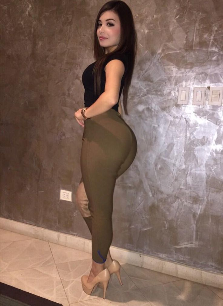 a7915f8308994d Tracy Saenz | Latina in 2019 | Tracy saenz, Girls in leggings ...