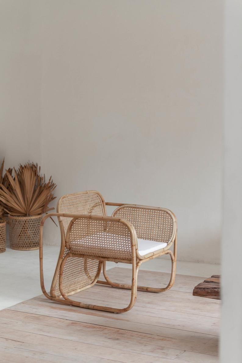 Chaise De Salon De Canne Etsy In 2020 Lounge Chair Modern Lounge Chairs Chair