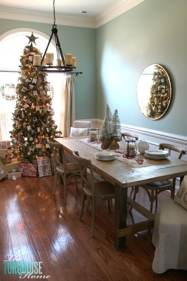 Simple And Rustic Christmas Dining Room Theturquoisehome