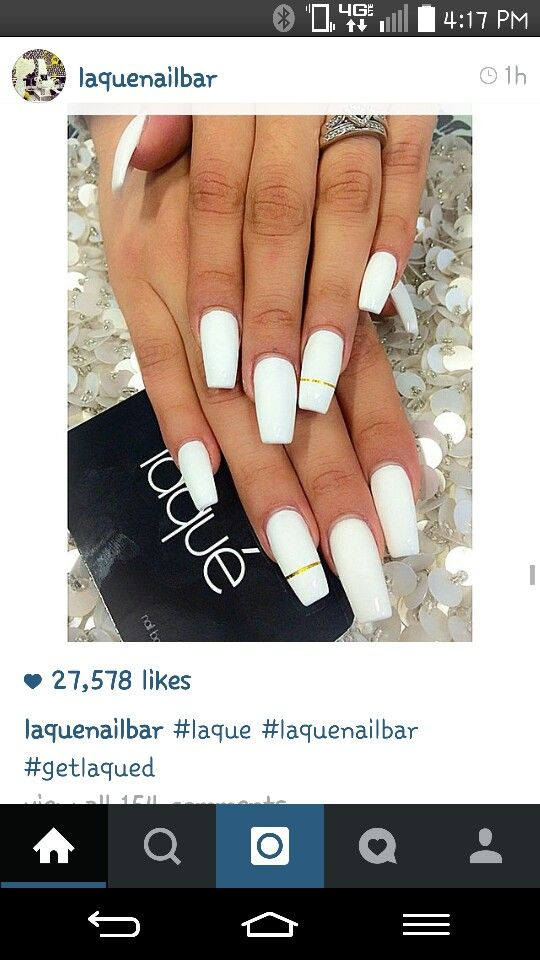 Love The All White W The Gold Line Across The Ring Fingers White Acrylic Nails Nails Laque Nail Bar