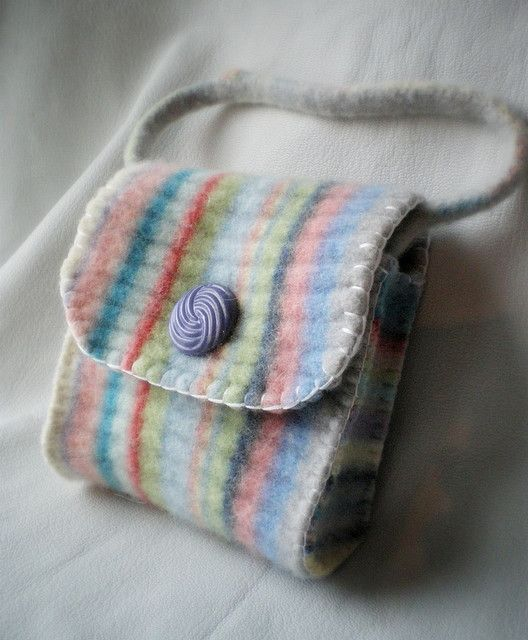 wee wool purse