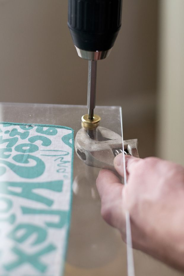 To Drill Holes In Acrylic Sheeting Drill Gent In Reverse