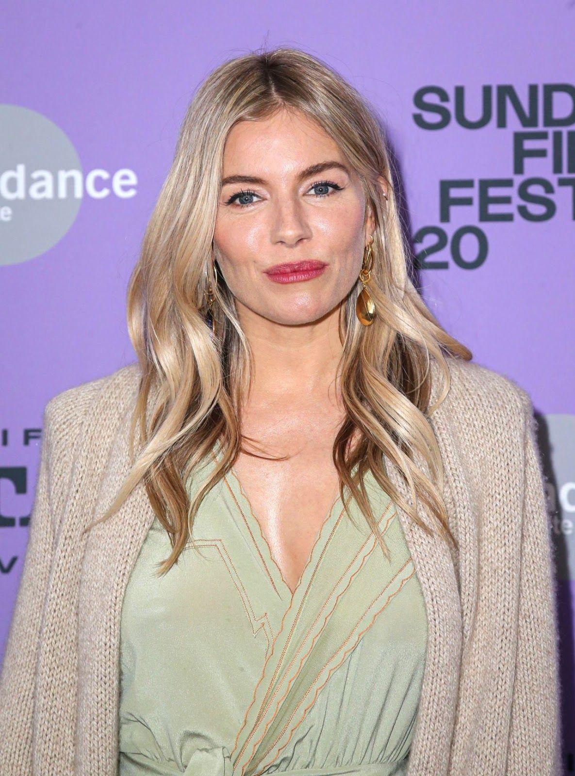 Sienna Miller Wander Darkly Premiere At Sundance Film Festival In 2020 Sienna Miller Sundance Film Festival Premiere