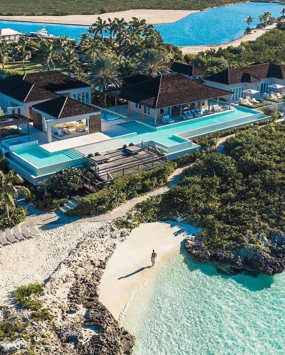 Top World Hotel On Instagram Turtle Tail Estate Is A Spectacular Compound On Providenciales Turks Caicos Isla Vacation Beautiful Places Hotels And Resorts
