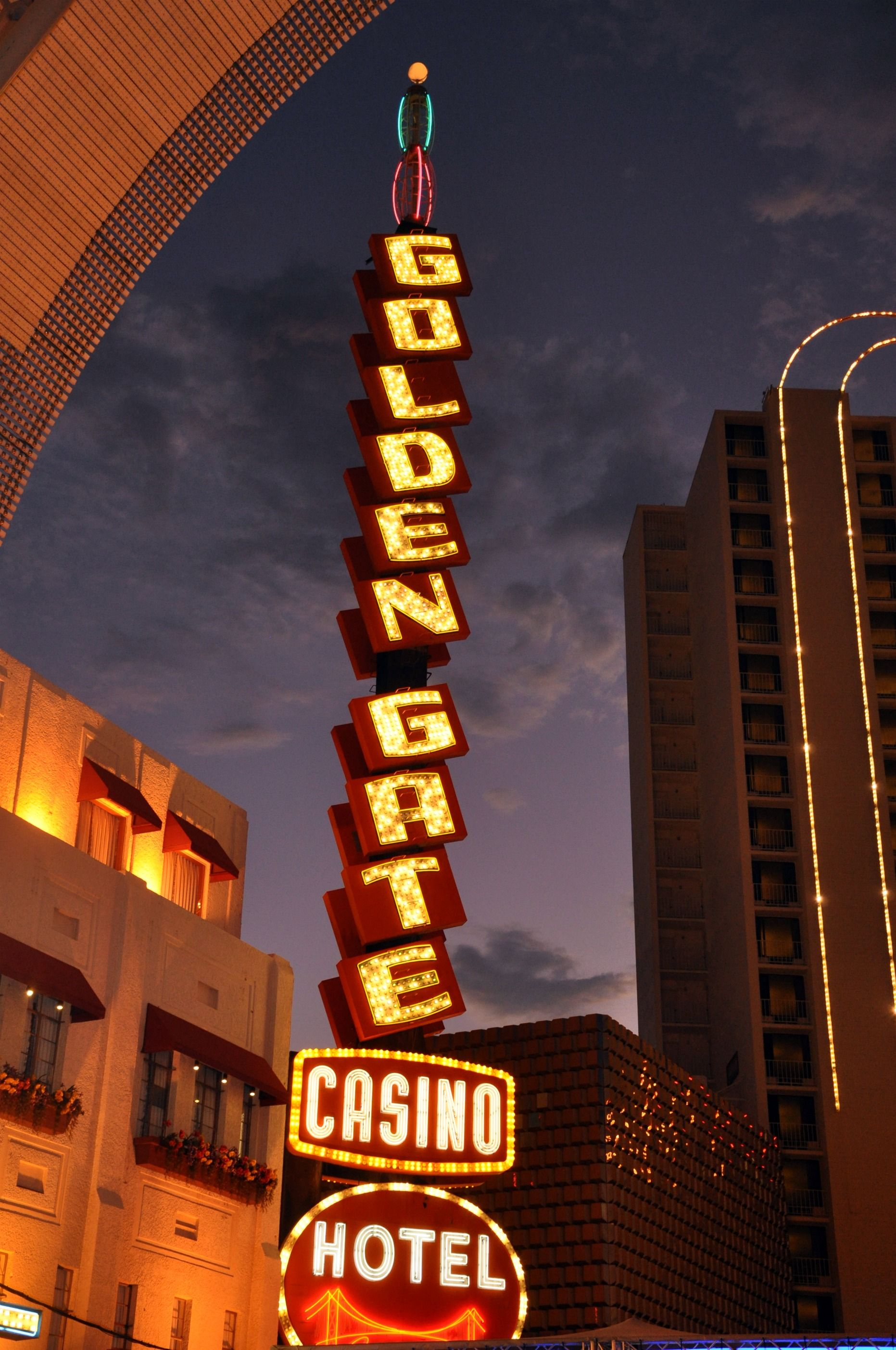 hotel golden gate hotel and casino