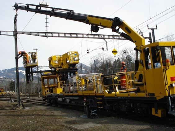 Innovation and application-specific expertise are reflected in PALFINGER Railway's versatile access platforms. They facilitate particularly fast and efficient repair and maintenance work. They also create safe access to all positions in the catenary and power supply system. Available @ aayag.com