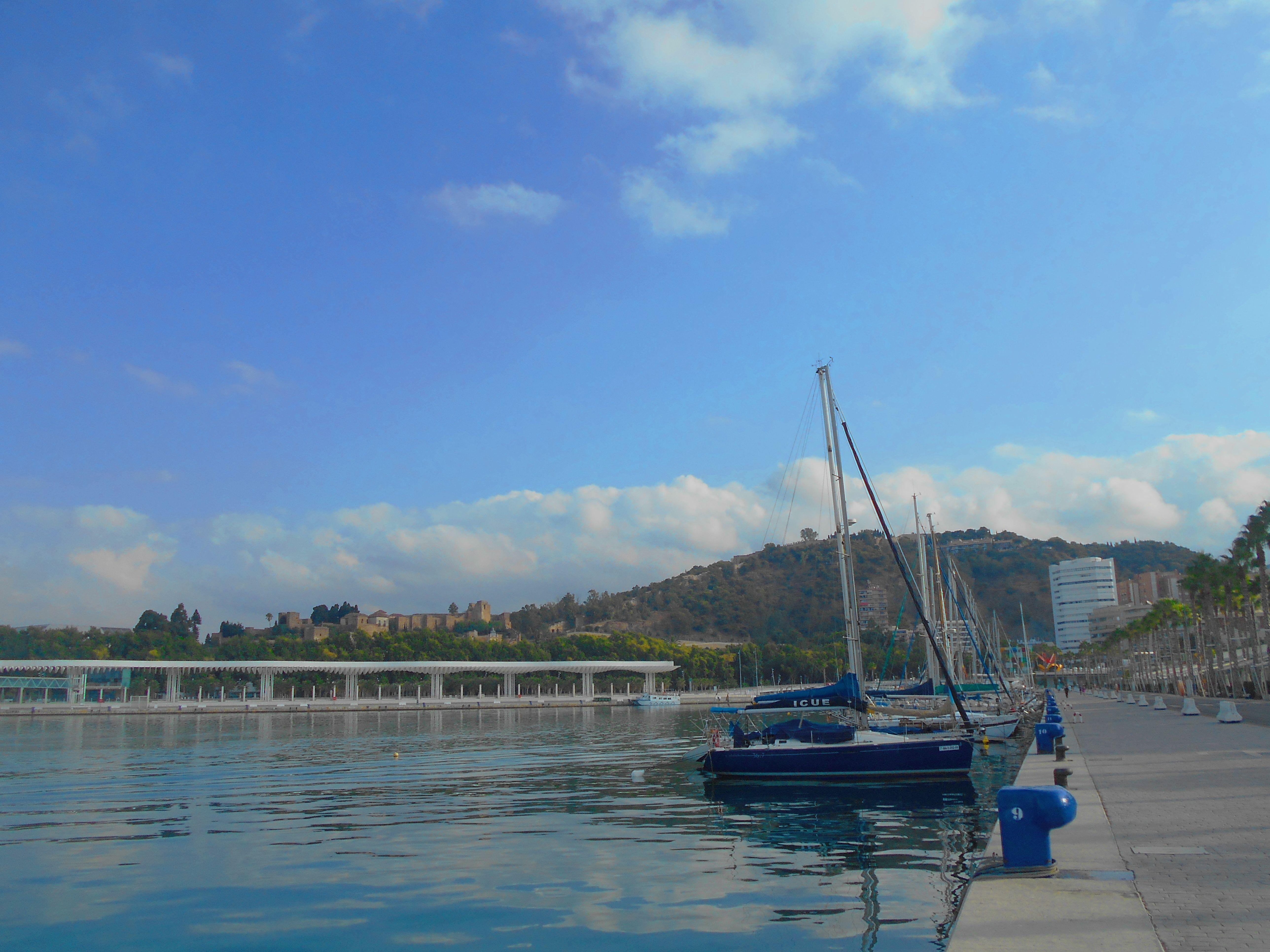 Veleros en el Muelle Uno de Málaga