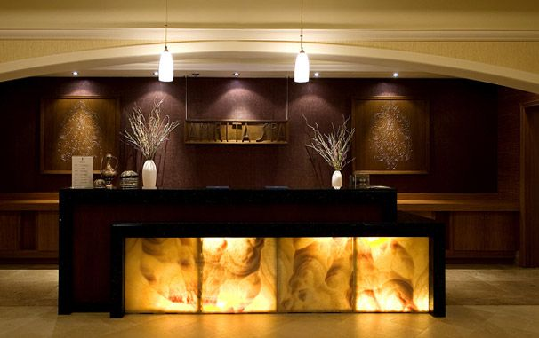 Swissotel Front Desk | Hotel lobby design, Hotel reception ...
