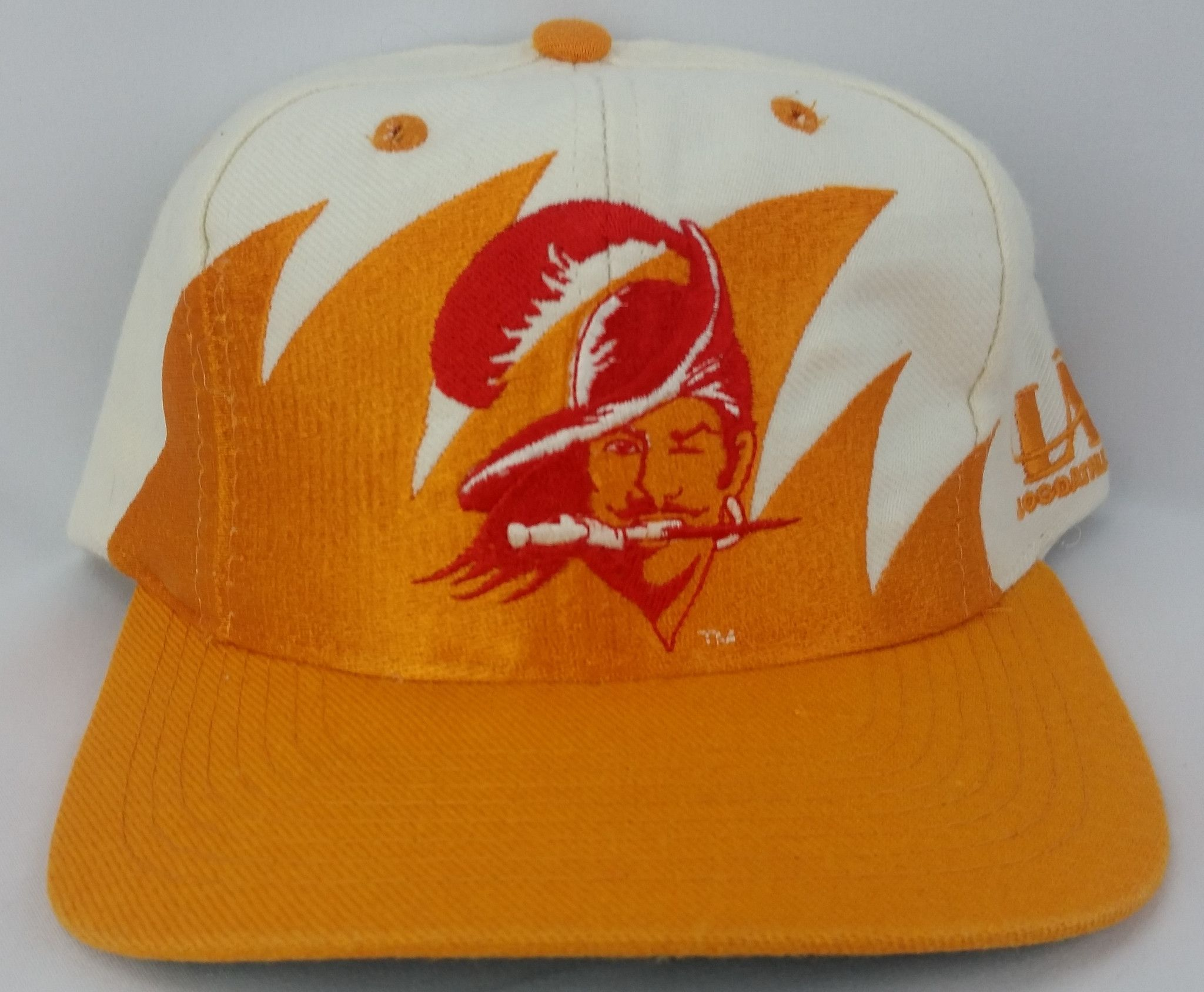 6cada0c5a Tampa Bay Buccaneers Vintage Snapback Logo Athletic Sharktooth Hat ...