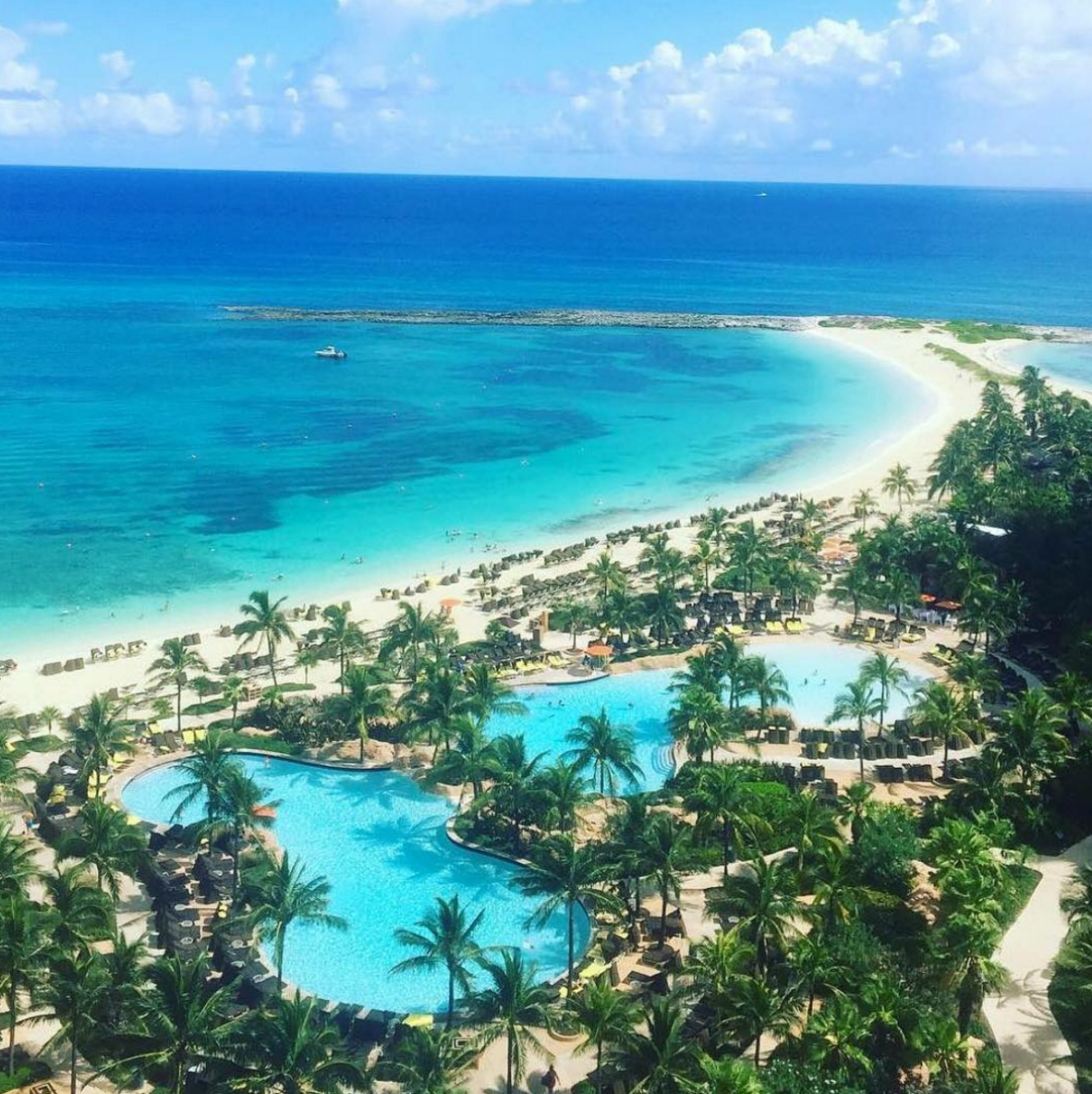 Paradise Island Bahamas: Life Is Better At The Beach. ☀️🌴 (Photo: Willygtattoo