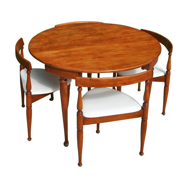 Mid Century Modern Game Table And Four Chairs Modern Game Tables Cantilever Dining Chair Table Games