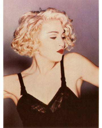 Madonna Blond Curly Hair Kitchens Design Ideas And Renovation Short Blonde Curly Hair Blonde Curly Hair Madonna Hair