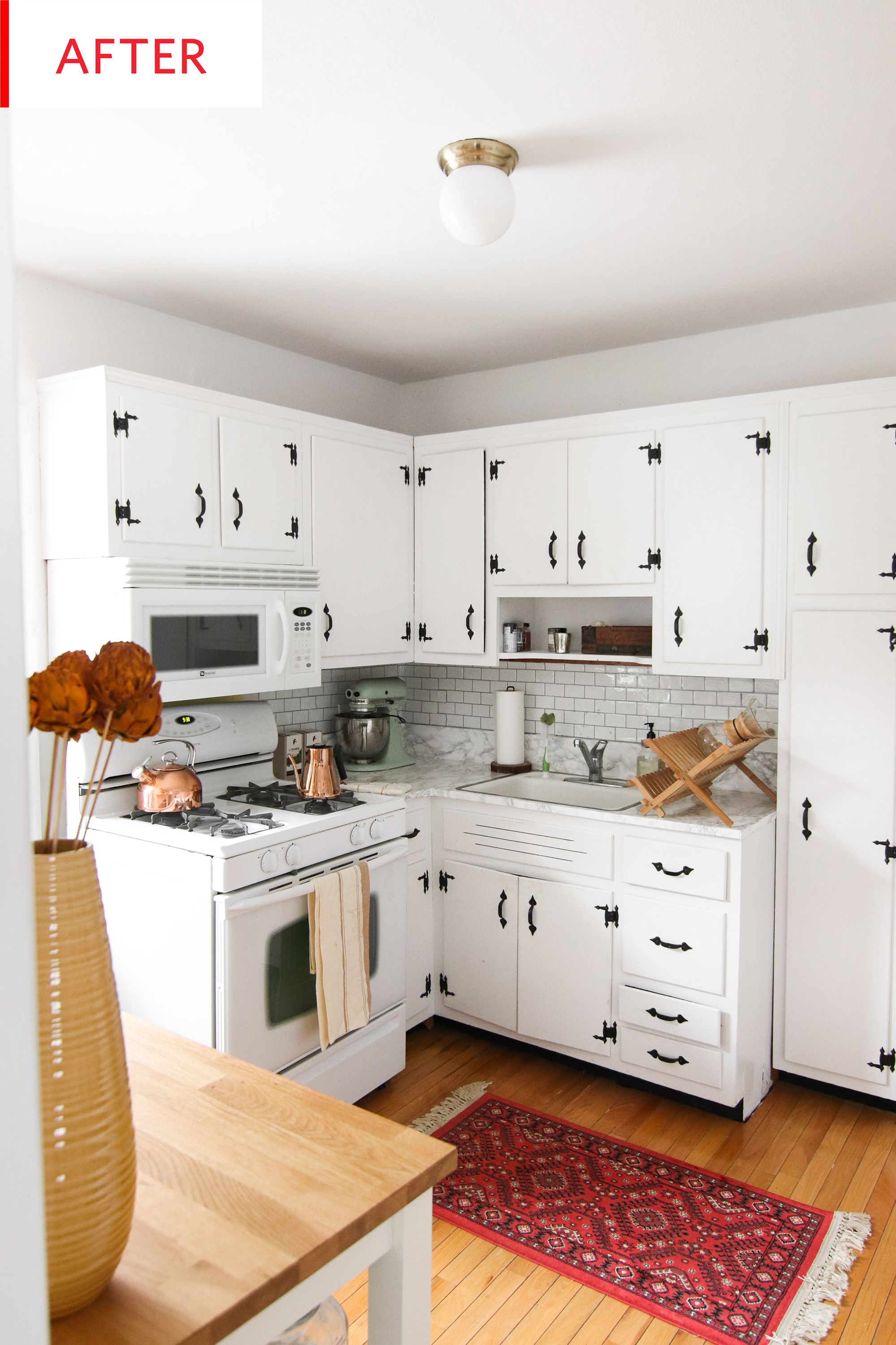 Before And After The Secret To Successfully Painting Old Kitchen Cabinets Old Kitchen Cabinets New Kitchen Cabinets Kitchen Cabinets Before And After