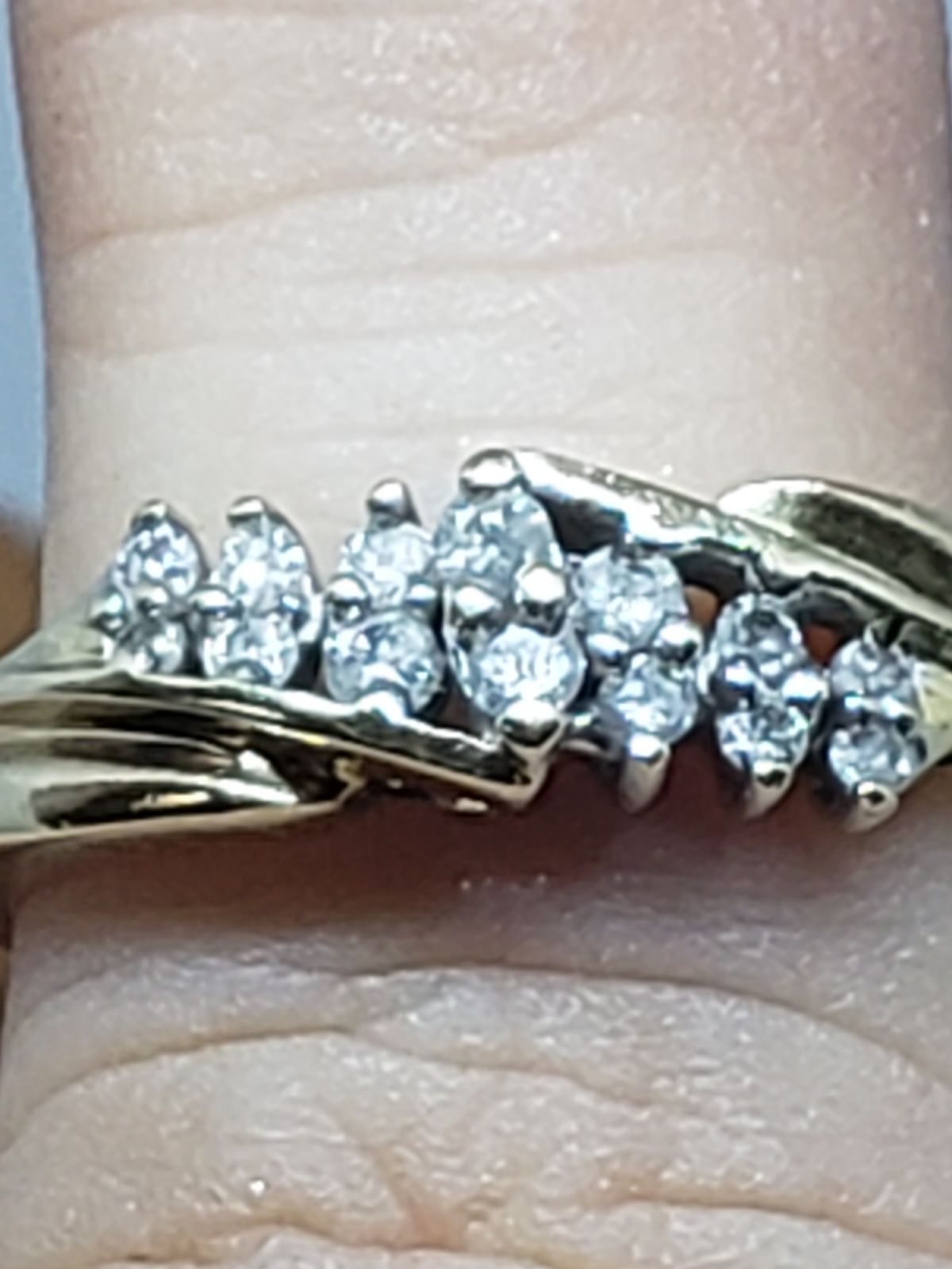 Solid 10k Gold Ring With Authentic Diamond S Not Sure On Kt S But They Are Not The Tiny Chip Diamond S I Have Had This Ri 10k Gold Ring Rings Wedding Rings