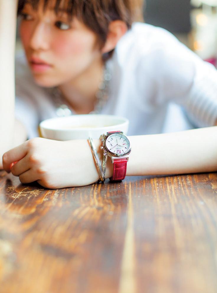 知ってた おしゃれな人は腕時計 ブレスレットの重ねづけをしている