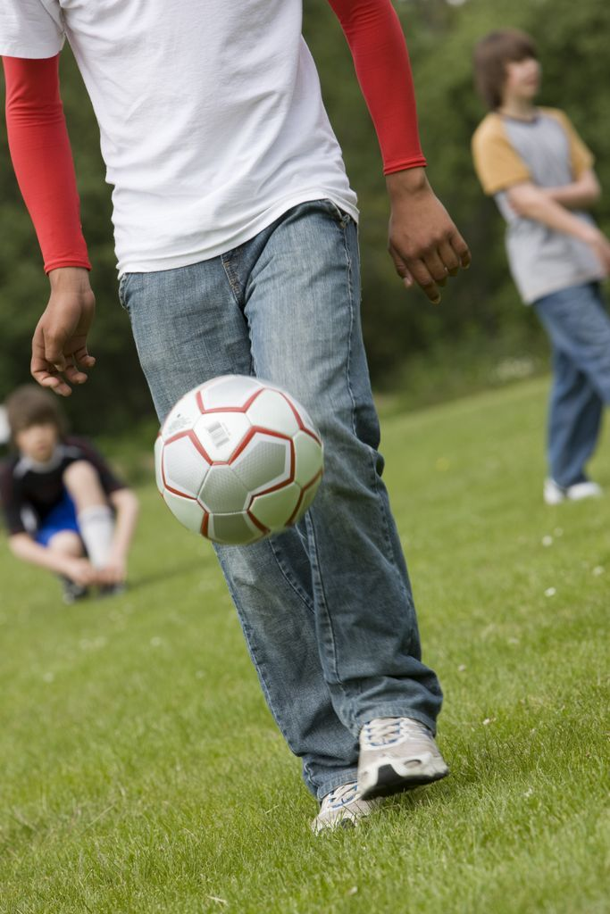 What is the best age for kids to start focusing on only one sport? https://www.healthyfamiliesbc.ca/home/blog/what-age-should-kids-focus-single-sport
