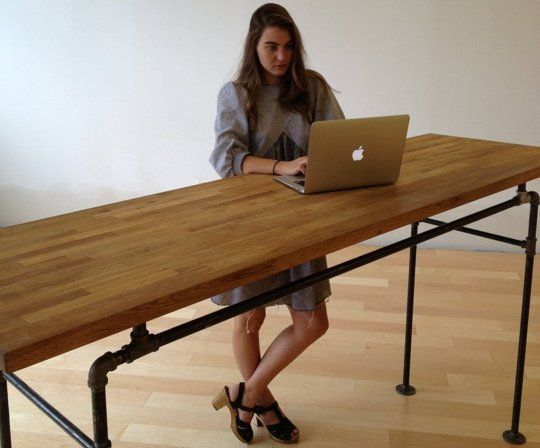 I Tried A Standing Desk For Day Here S What Hened