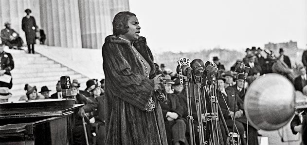 Marian Anderson performs at the Lincoln Memorial after she was denied the stage at Washington's Constitution Hall in 1939. From the collection of Scurlock photography studio, whose focus was documenting the lives of the black middle class in Washington, D.C. for over 80 years, from a Smithsonian Magazine article. Many more great pix.