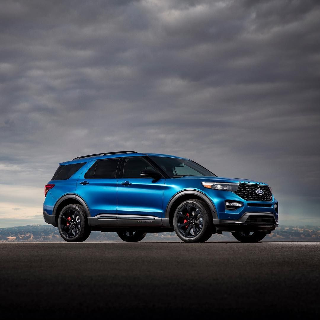 Pack Some Track Tested Performance For Your Next Road Trip Introducing The First Explorer From The Ford Perform Ford Motor Company Best Family Cars Ford Motor