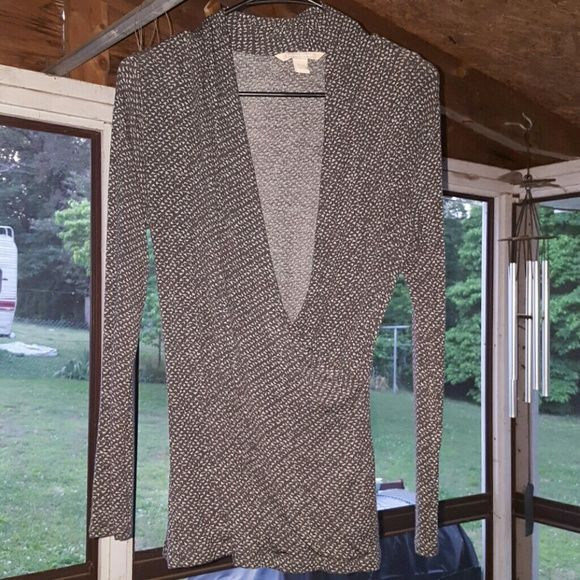 Banana Republic wrap shirt Great condition. Pairs good with anything. Says small but also fits M and L Banana Republic Tops