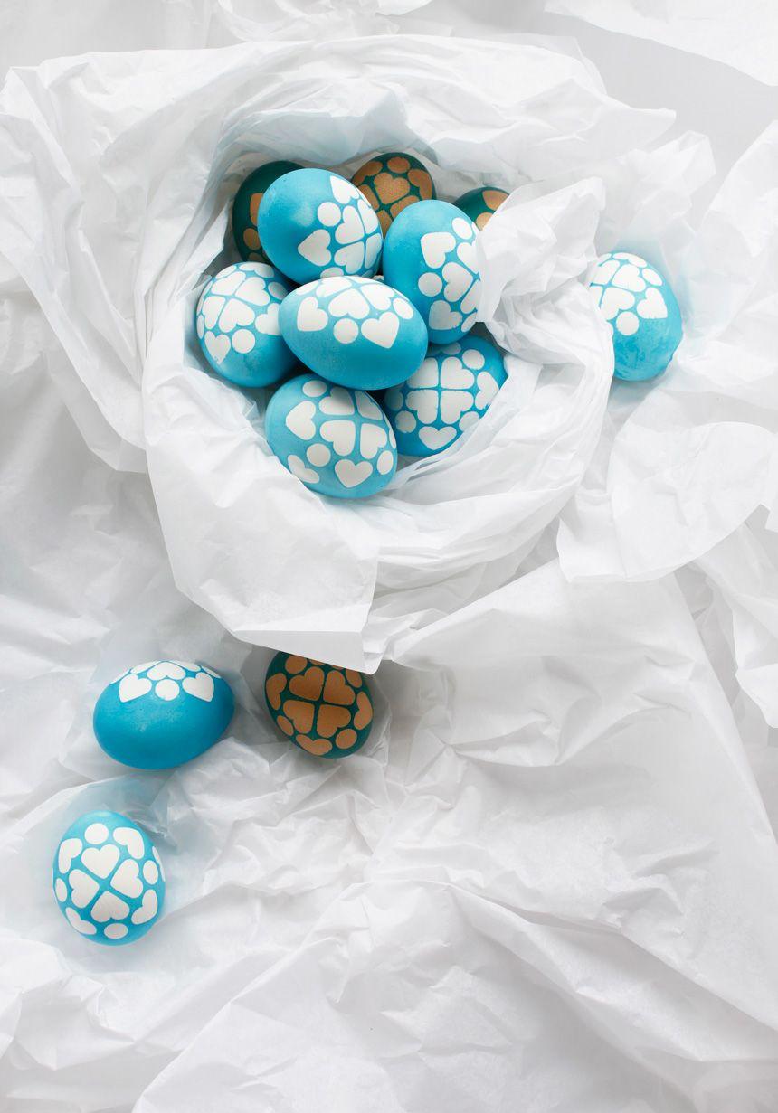Gar nicht schwer geht das Eierfärben mit Washi-Wunder-Stickern, die man ruckzuck selber machen kann. Wie, was? Mehr darüber jetzt im Happy Monday DIY!