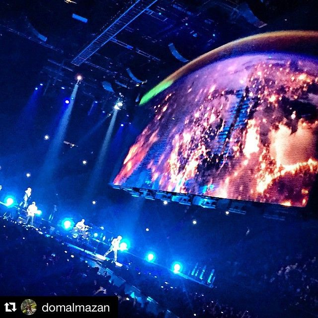 "#Repost @domalmazan #u2 #u2ietour ・・・ The Stage on ""Its a Beautiful Day!"" Checking out the U2 iNNOCENCE + eXPERIENCE Tour 2015 here at The Forum, Inglewood California. Can't wait to see Bono perform LIVE! May 31, 2015 #U2 #U2IEtour #U2Innocence #U2InnocenceExperienceTour2015"