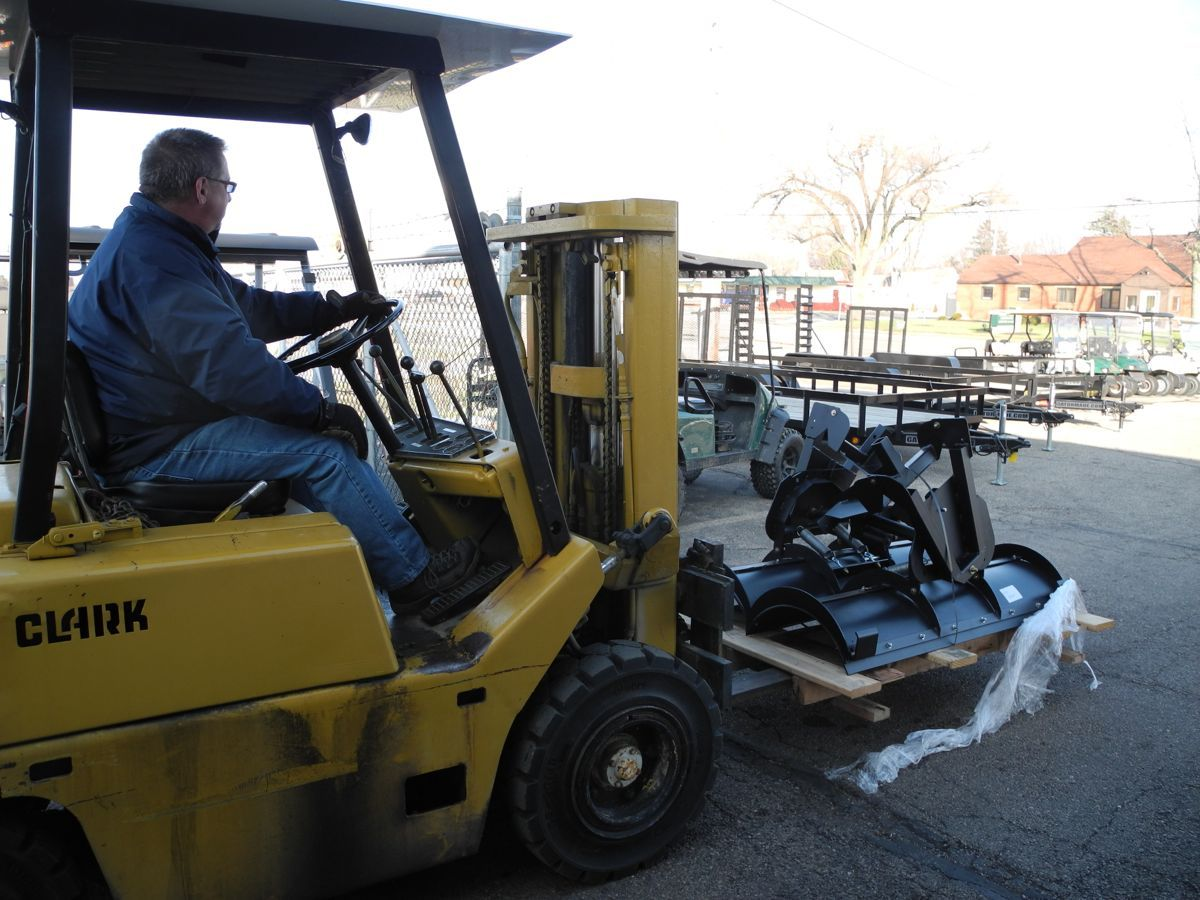 Moving another pair of snow plows into the shop for installation. We just received another shipment last week, so now is a great time to arrange your winter mods!  #snowplow #PowerEquipmentSolutions #Vandalia