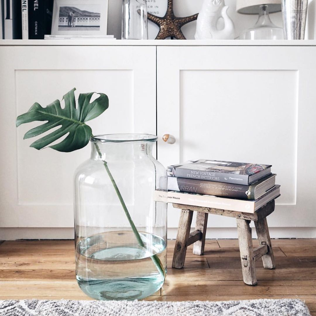 We love how @angloyankophile has styled our statement Elegant Recycled Glass Vase... do you prefer #monstera or #eucalyptus?