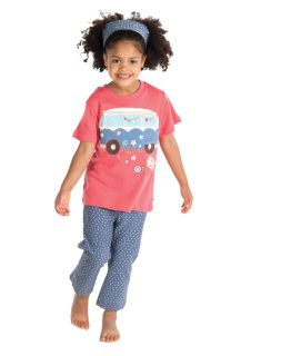 Ride the summer roads in style with this happy campervan applique t-shirt made from soft organic cotton. It's stretchy rib neck make for easy dressing when you are rushing to get down to the beach.   #frugi #ethicalliving #fairtrade #organic #boys #ethical  http://bit.ly/1htIRe2