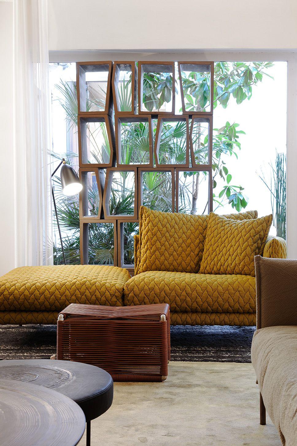Claude Cartier Décoration Lyon - Shoroom - sofa - canapé - gentry - patricia urquiola - moroso yellow - jaune bibliothèque bookshelf terreria