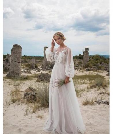 Chic Appliques Lace Wedding Dresses Long Sleeves Bohemian Wedding Dresses Floor Length Tu Svadebnye Platya Vintazhnye Svadebnye Platya Skromnye Svadebnye Platya
