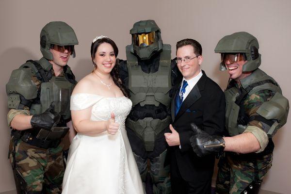 Video Game Themed Weddings Halo Kreativ og Groomsmen