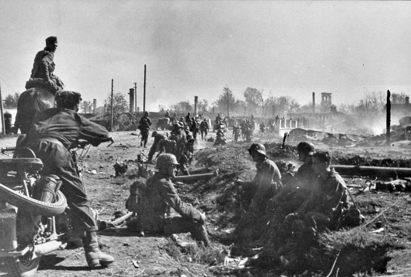 German troops in Nowgorod- Russia WW II