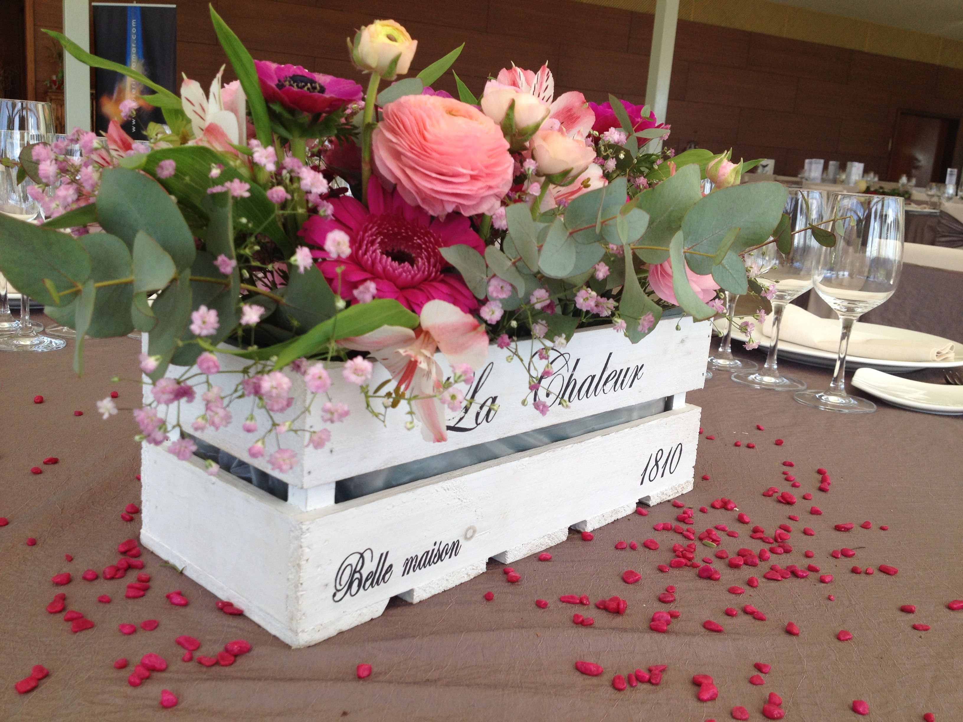 I like the box rh z jayme adam wedding ideas for Decoracion mesa centro