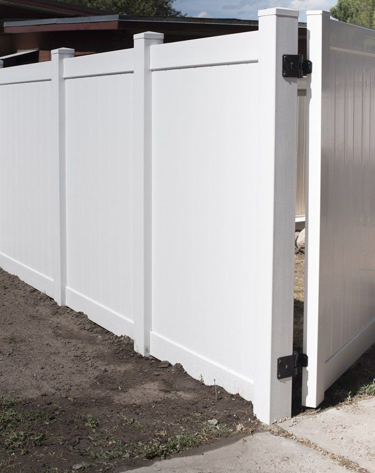 How To Install A Vinyl Privacy Fence Vinyl Privacy Fence House