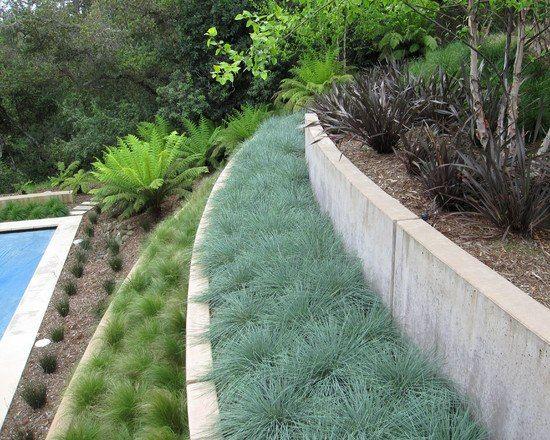 garten hanglage pool ideen bepflanzung modern beton absichern - garten am hang anlegen
