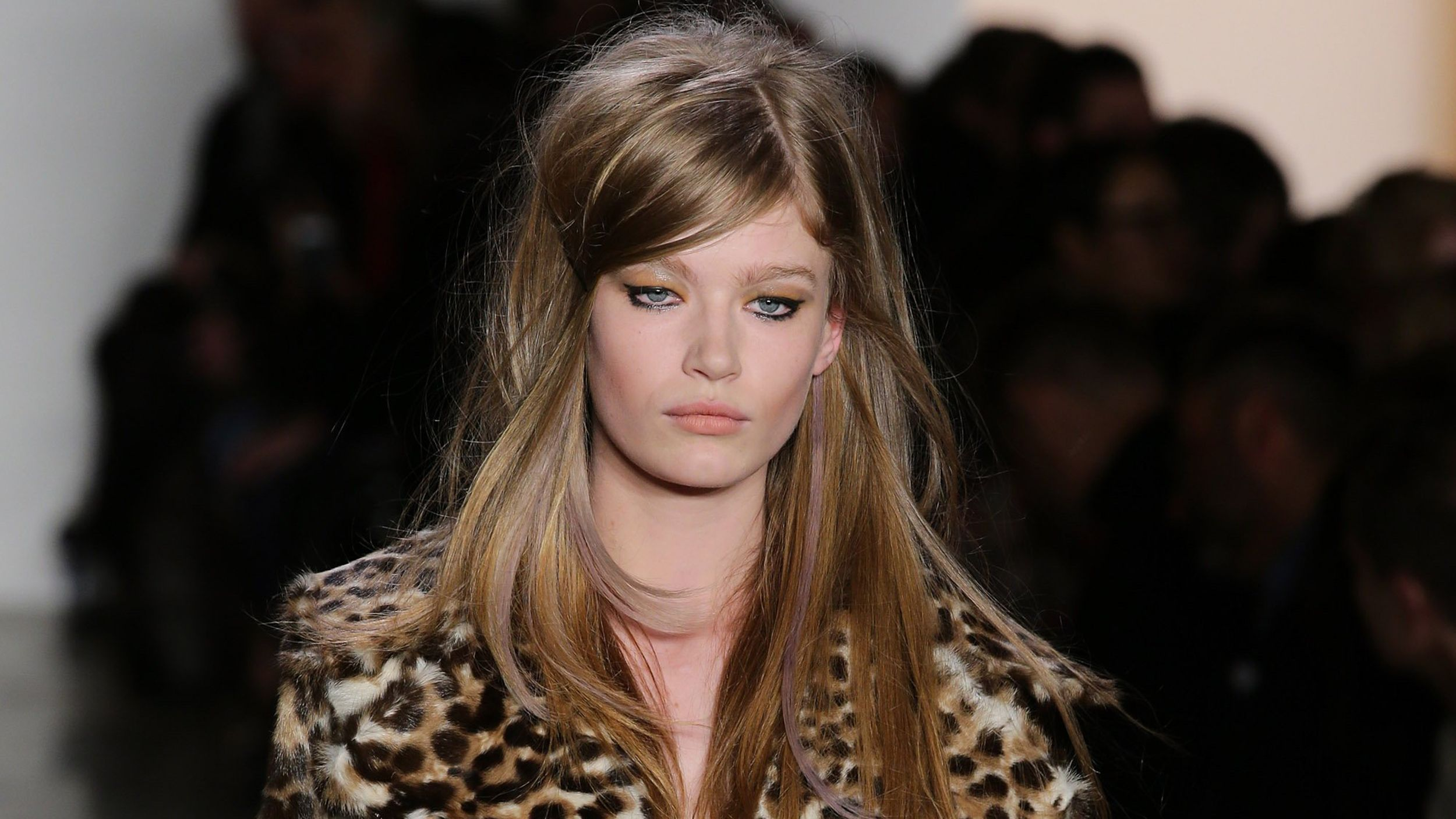 Violet eyes? Gold braids? 6 best beauty trends from Fashion Week