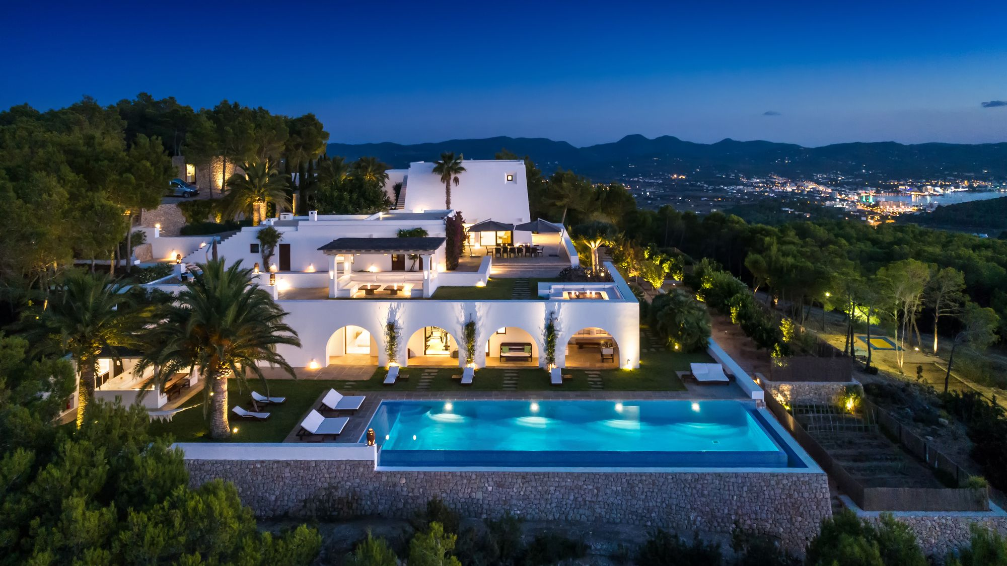 Exquisite Mediterranean style haven in Luxury real