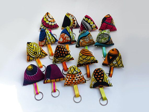 keychains berlingot pattern african wax fabric couture african crafts african et crafts. Black Bedroom Furniture Sets. Home Design Ideas