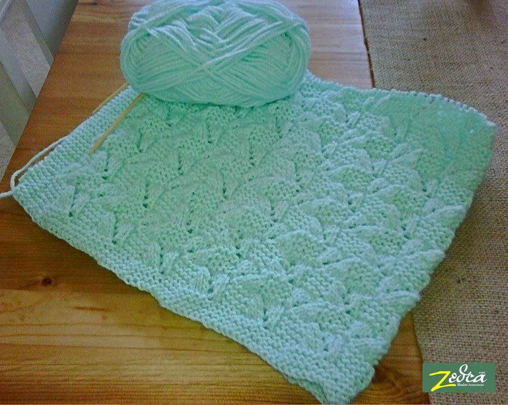 Knitting Patterns Using Baby Yarn : free knitting patterns for baby blankets home baby blankets bernat baby bla...