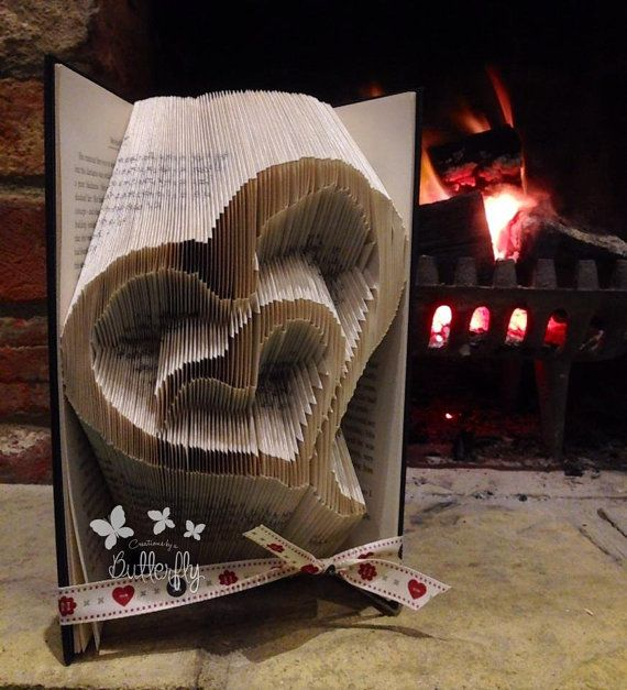 two hearts folded book art por creationsbybutterfly en. Black Bedroom Furniture Sets. Home Design Ideas
