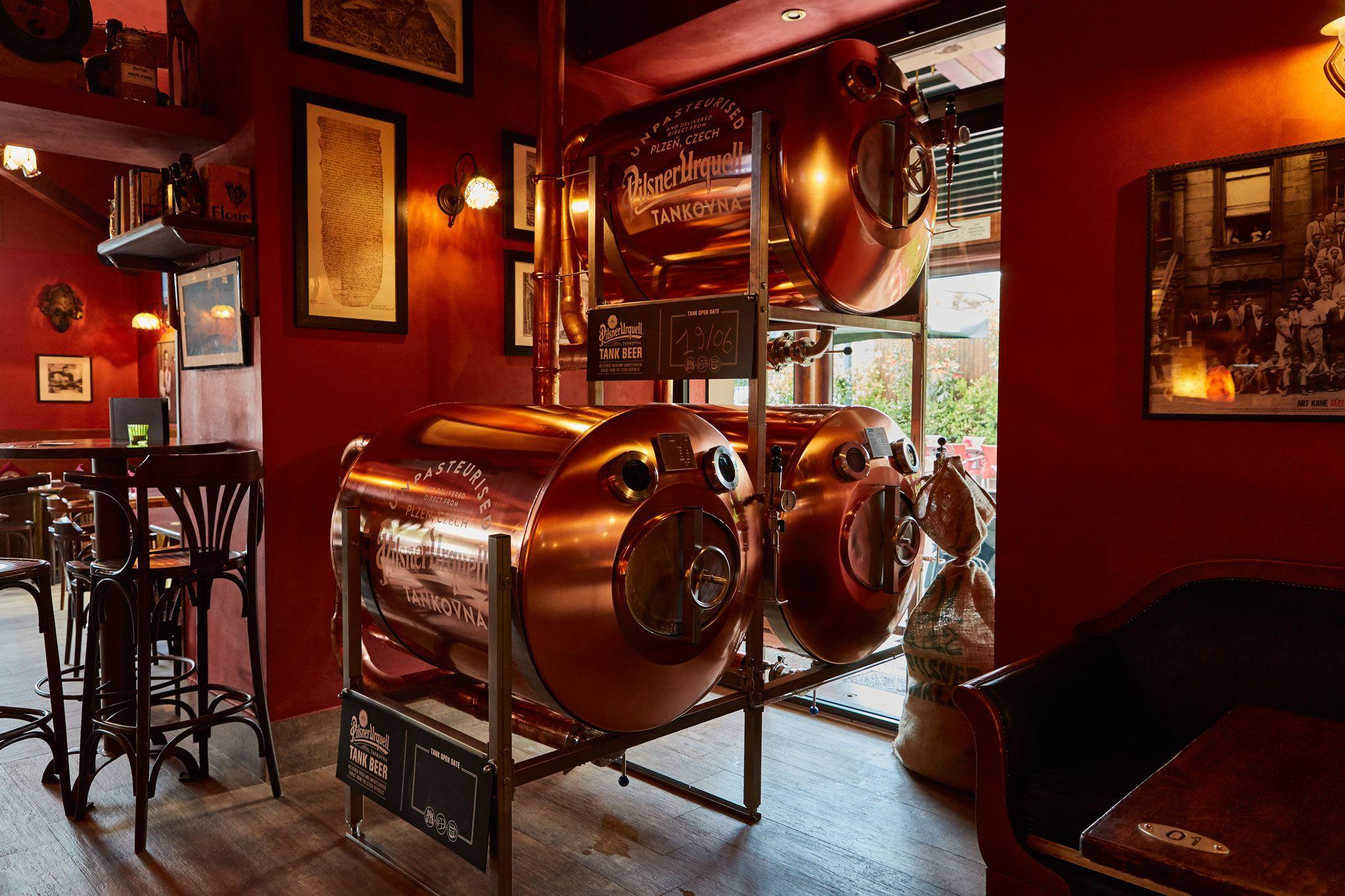 Tank Beer Pilsner Urquell Tankovna Birra Non Pastorizzata Chimera Cassino Ristorante Birreria Artigianale
